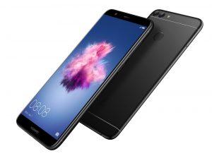 Смартфон Huawei P smart появился в России