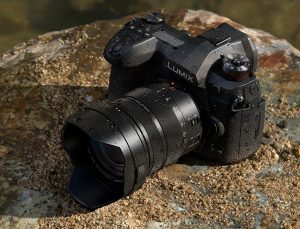 Представлена флагманская фотокамера Panasonic LUMIX G9