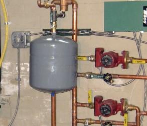 Как правильно подключить расширительный бак к системе отопления