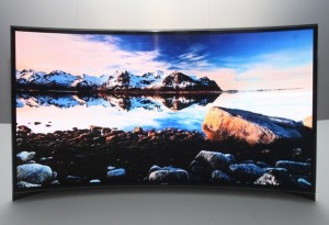 Зачем Samsung согнула OLED телевизор