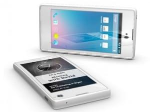 Российский смартфон YotaPhone представлен публике
